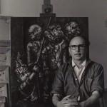 """O artista no seu estudio de Bos Aires, en 1968 diante da súa obra titulada """"Neno xogando"""", 1967, hoxe propiedade do concello de Vigo, depositada no Museo Municipal Quiñones de León"""