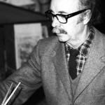 Traballando no seu estudio, encima do café Gijón en Madrid. Ca. 1975