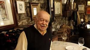 Carlos Álvarez na taberna Eligio. Imaxe: M. Moralejo (La voz de Galicia)